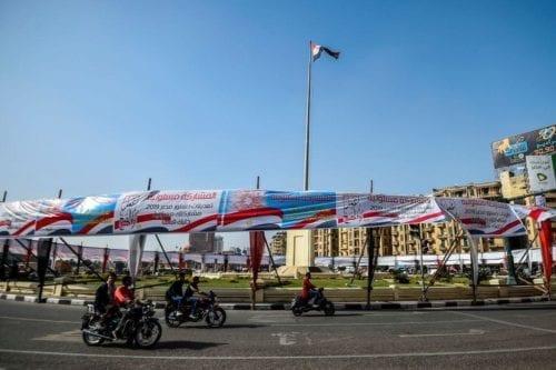 Egipcios en el extranjero comienzan a votar en un referéndum