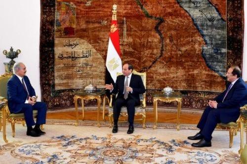 Sisi se reúne con Haftar, mientras que 121 personas mueren…