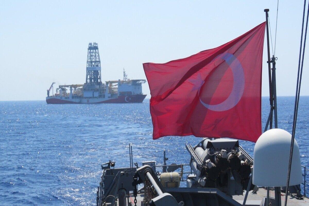 A través de numerosos campos de batalla, todo el mundo está tratando de acabar con Turquía