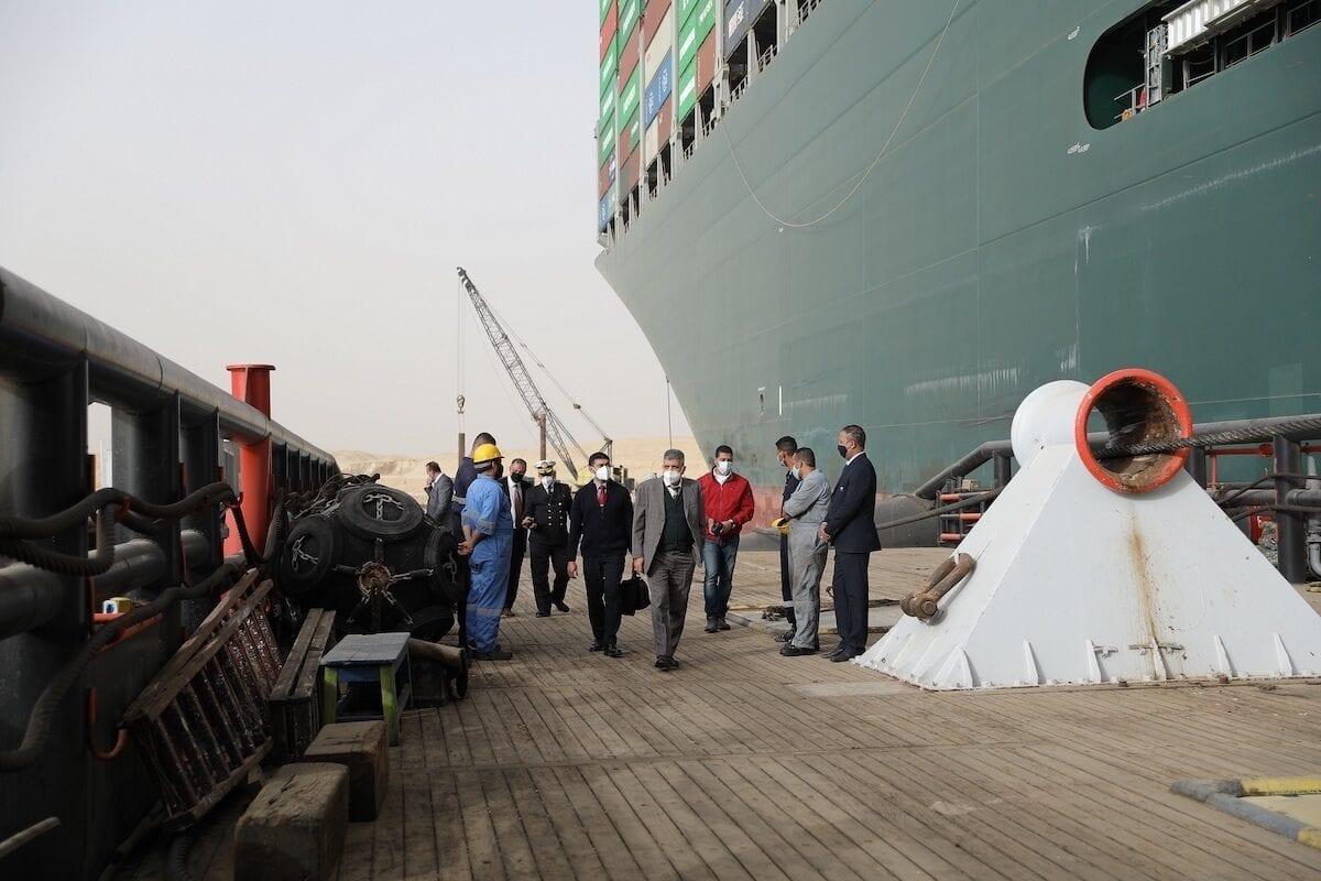 La crisis del barco encallado en el Canal de Suez: ¿Por qué está Egipto perplejo?