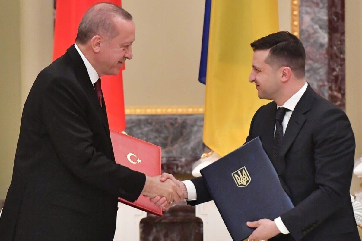 Turquía y Ucrania podrían salvar la política exterior el uno del otro
