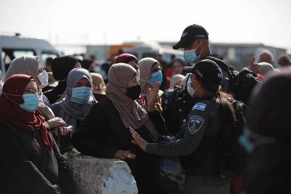 Israel impide a los palestinos no vacunados entrar en la mezquita de Al-Aqsa