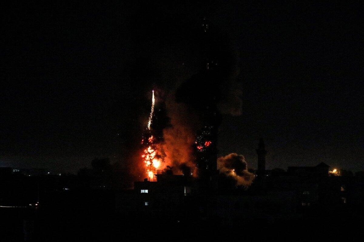 Palestina: Aviones israelíes bombardean Gaza mientras aumentan las tensiones tras la Marcha de las Banderas