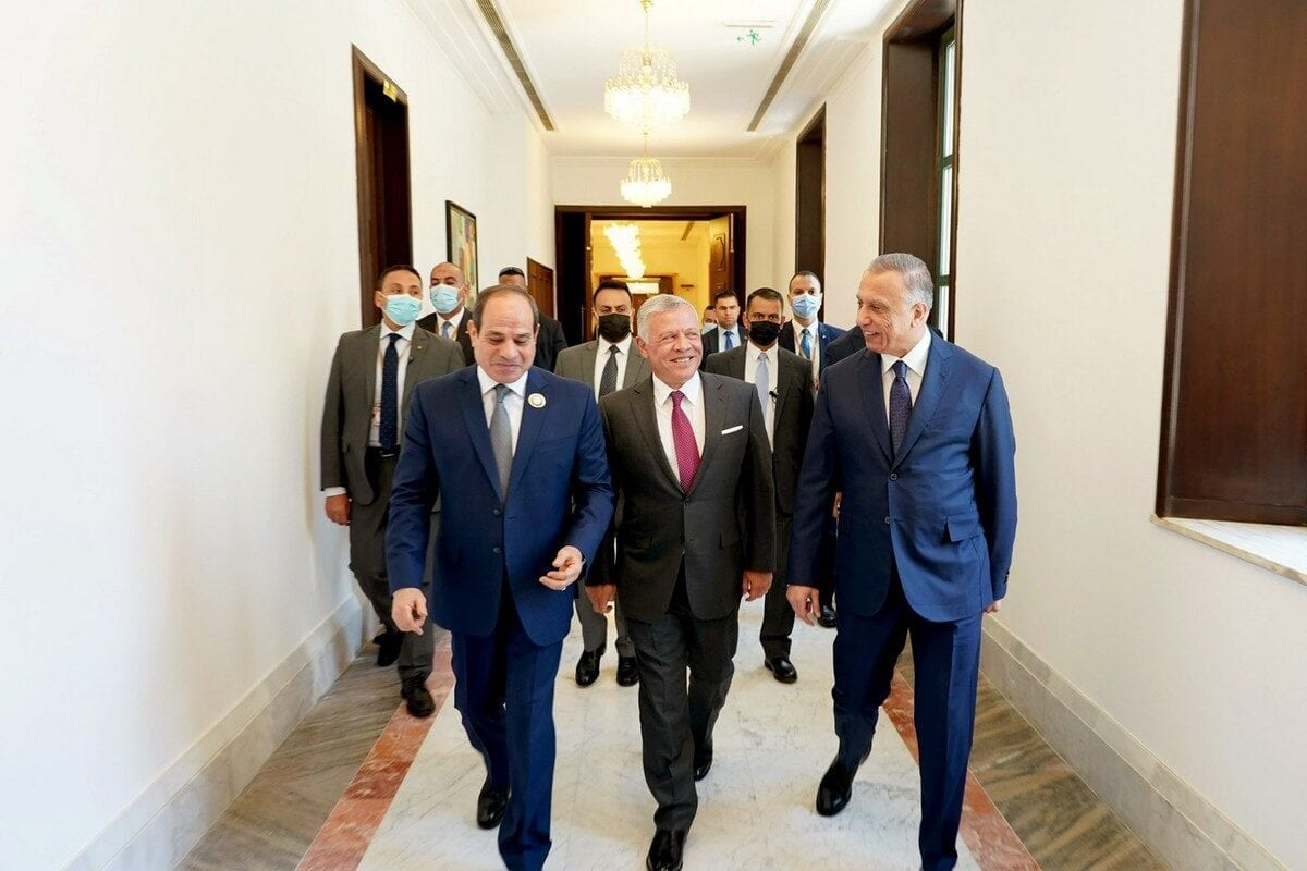 La cumbre de Bagdad del domingo abarcó temas estratégicos, políticos y económicos