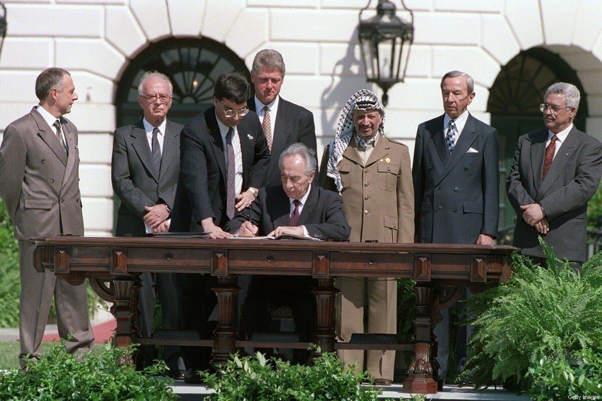 La maldición de los Acuerdos de Oslo que convirtieron a la OLP en guardiana de la alcaldía