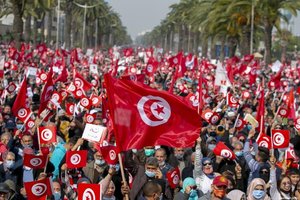 """A diferencia de los laicos, los """"islamistas"""" de Túnez eran débiles pero no antidemocráticos"""