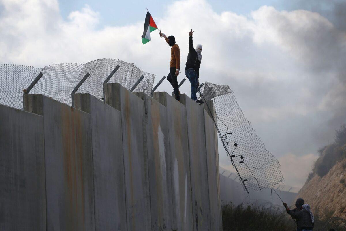 """Del """"Muro de Hierro"""" a la """"Villa en la Selva"""", los palestinos derriban los mitos de seguridad de Israel"""